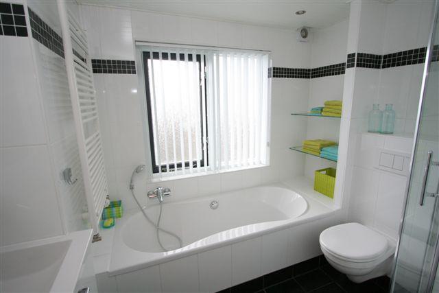 Badkamer aan de Wetstraat, Ermelo